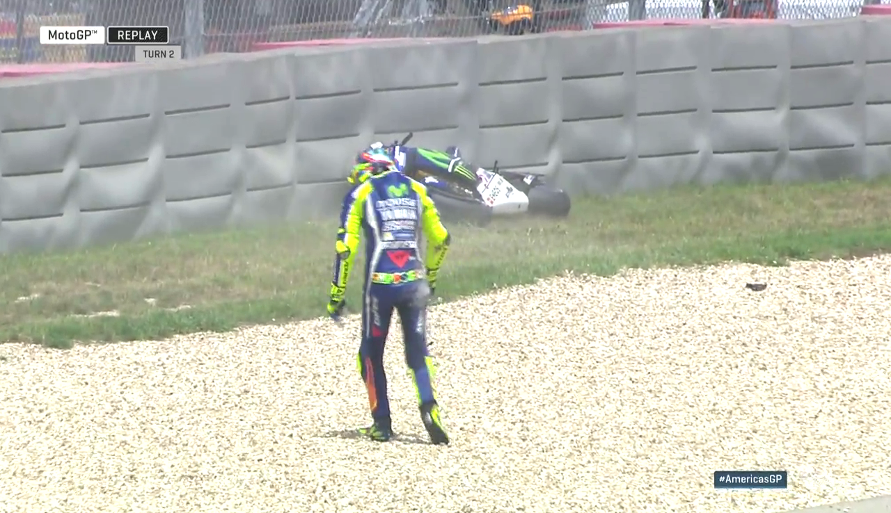 20160410_Austin_GP_Race_Valentino_Rossi_Crash
