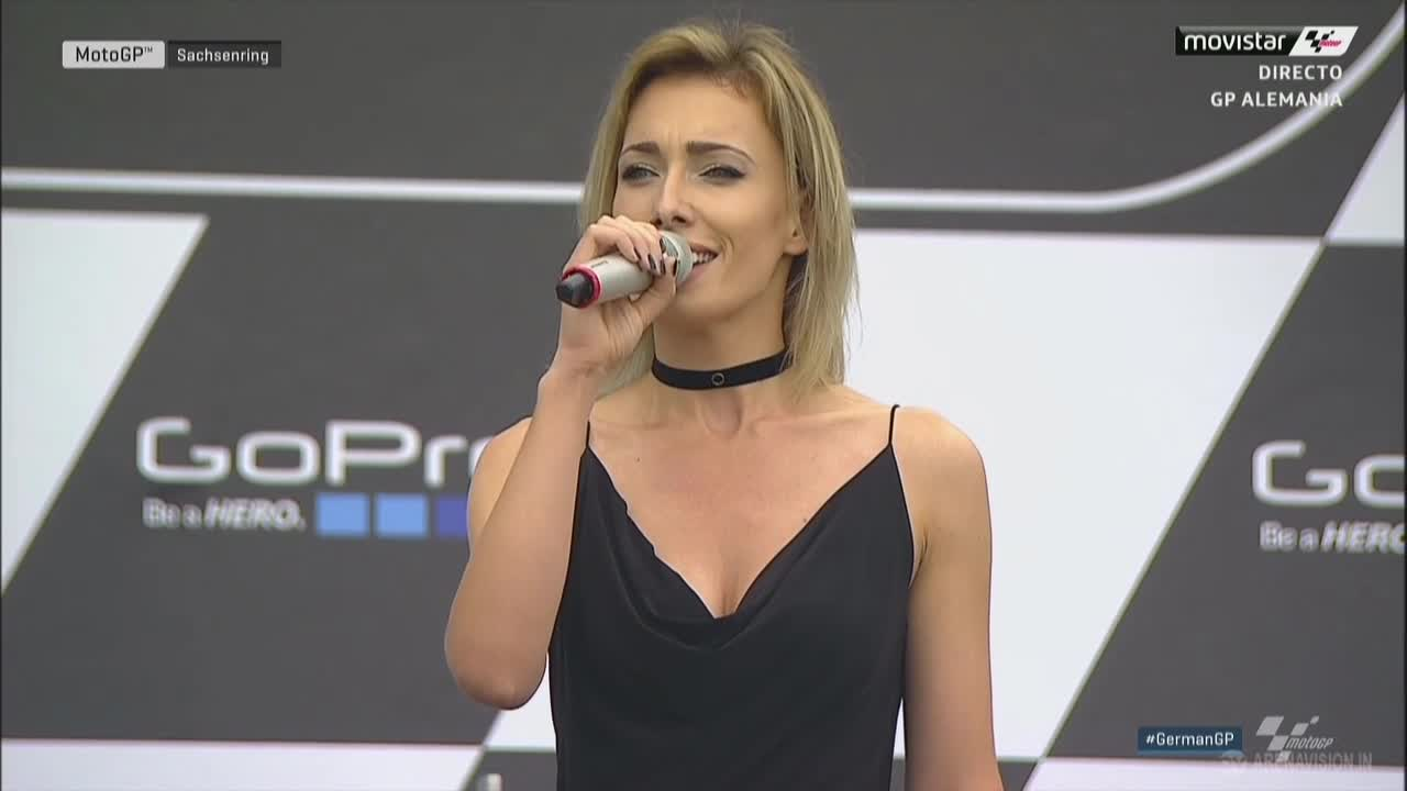 20160717_German_GP_Race_German_Anthem_Singer