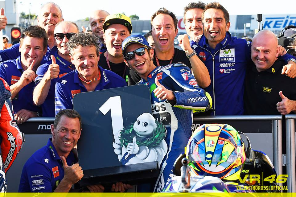 20161015_japan_gp_q2_valentino-rossi-and-crew